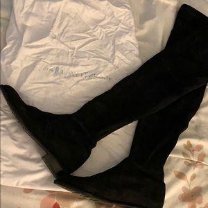 Stuart Weitzman LowLand Round toe suede boots